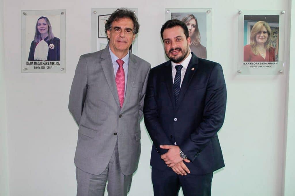 O advogado Gabriel Costa (dir.) com Luiz Philippe Vieira de Mello Filho, Ministro do Tribunal Superior do Trabalho (TST)