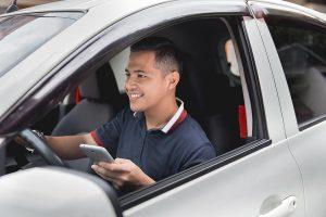 Relação de emprego entre UBER e motorista